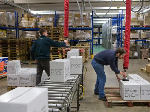 Vaculex Box Handling onto Pallets